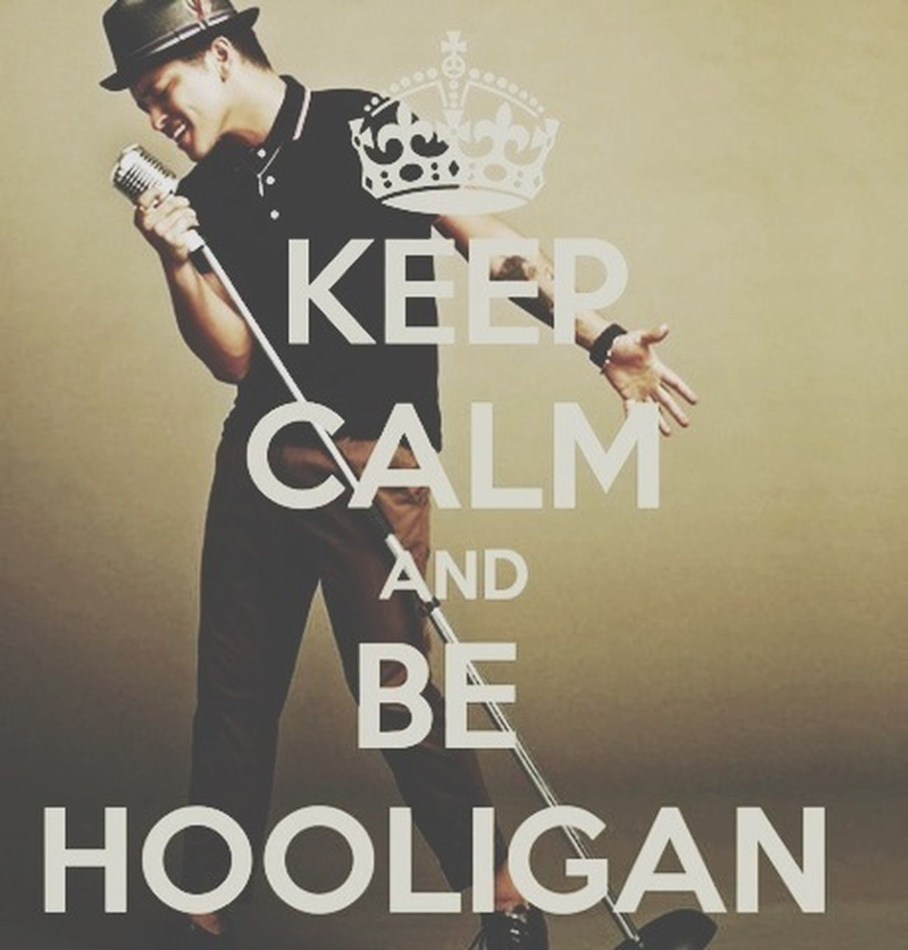 I'm A Hooligan ! Bruno mars fans ! Bruno Mars The Best Singer In The Hole World I LOVE HIM♥