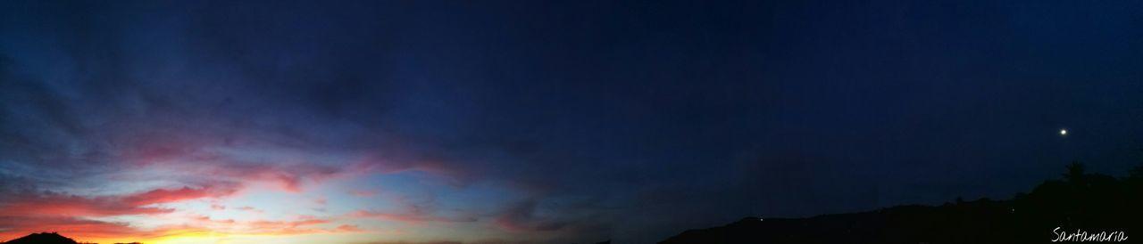 El sol se oculta, la luna se apodera del cielo. Mágico. Sunset Beauty In Nature Nature Night No People Silhouette Sky Outdoors Astronomy Magic Moments Costarica Puravida Costa Rica Y Su Naturaleza Dayandnight Afternoon Sky Afternoon Landscape Enjoying Life Tranquility Clouds