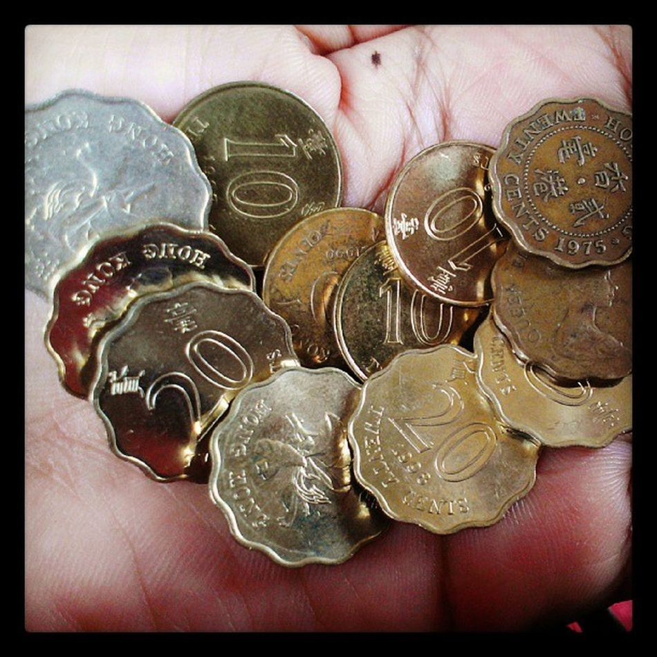 Small coins for take bus Reallifehk @reallifehk Localiiz Instapic HongKong bmihk