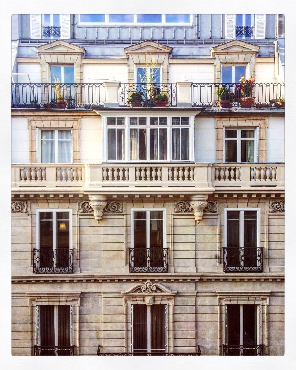 Architecture Building Exterior Architecture Window Built Structure Balcony No People Full Frame Outdoors Day Paris City Travel Destinations Admiring The View