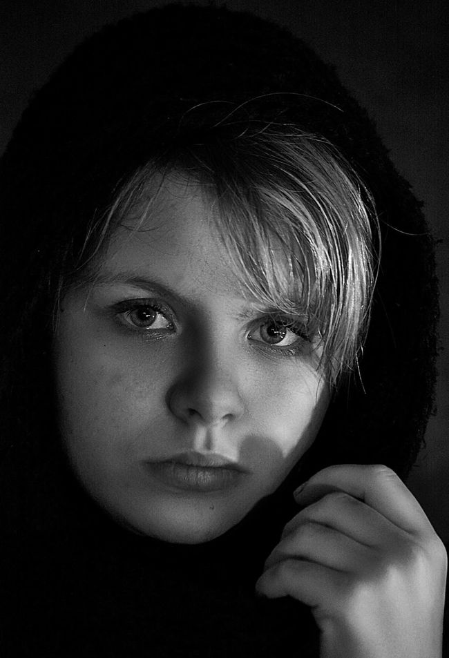 Portrait Human Face Real People For My Friends That Connect Young Adult People EyeEm Best Shots Girls Russia Canon Bw_portraits Portraits Bw_lover Blackandwhite Monochrome Black & White EyeEm Best Shots - Black + White Black And White Bw_collection Lifestyles