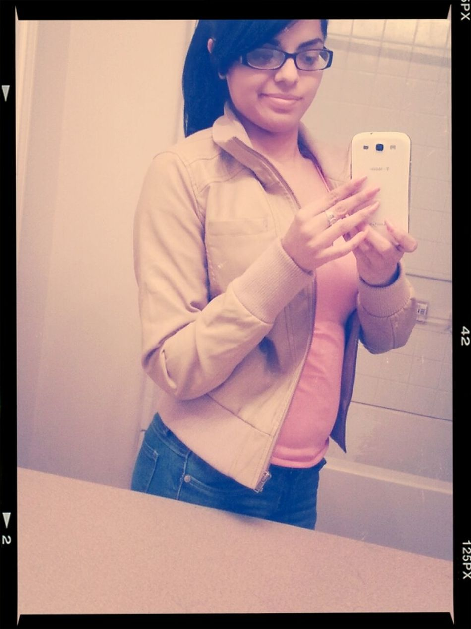 every girl is beautiful in there own way so just smile&&never look ba