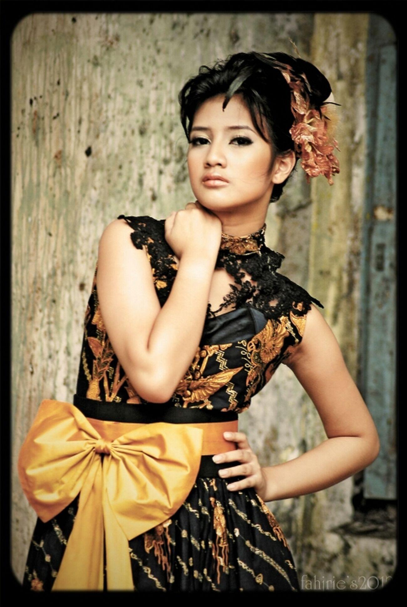 a picture for a friend @Baduis , awesome batik dresses ^_^ INDONESIA Model Fashion Batik Nikon Ethnic