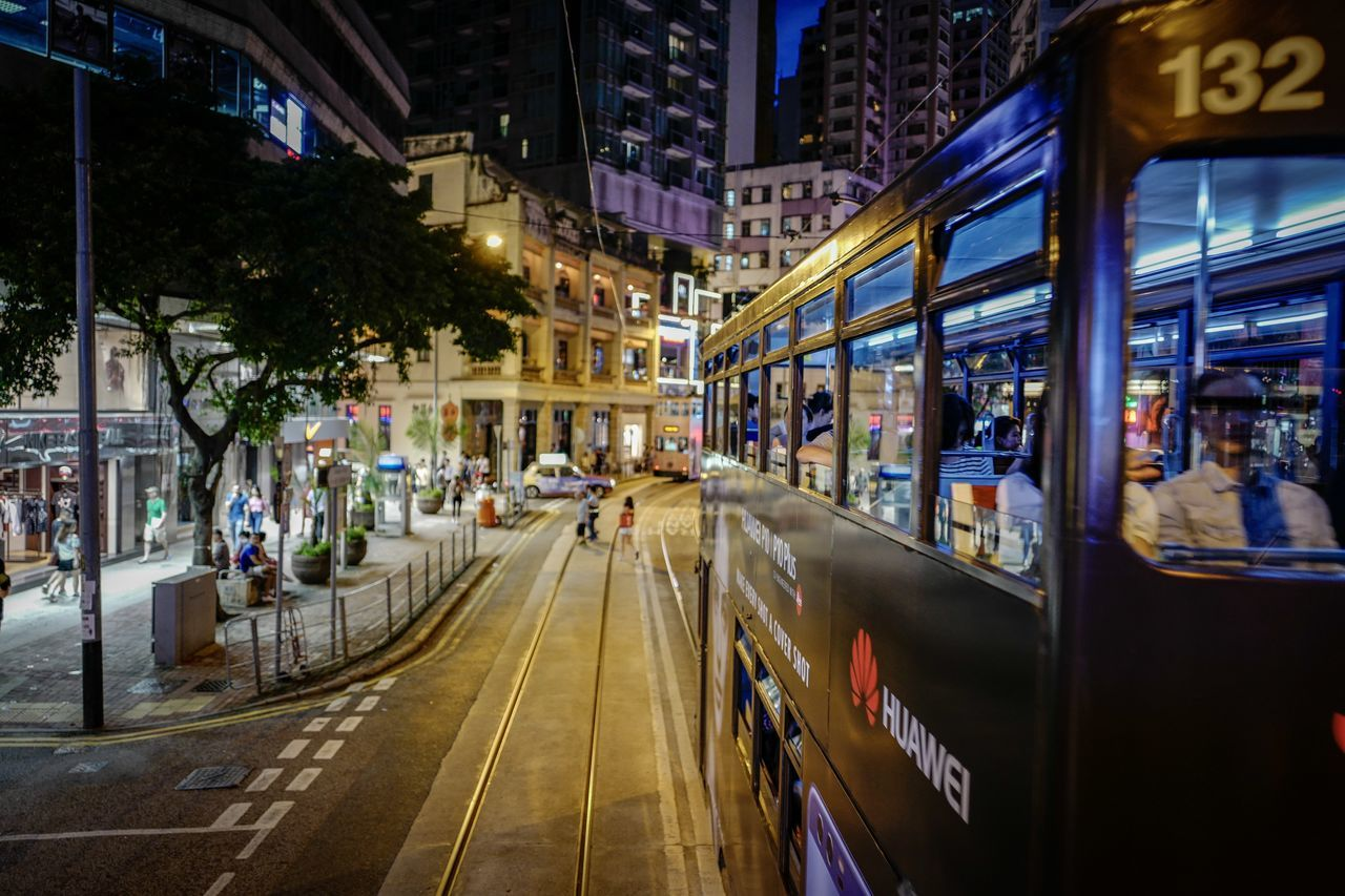 wrapping EyeEmNewHere EyeEm Selects Walking Around Lifestyles Cityscape Leicaq Art Is Everywhere From My Point Of View Shadows & Lights Discoverhongkong Nightshooters Hktramway Beautiful Weekend Streetphotography