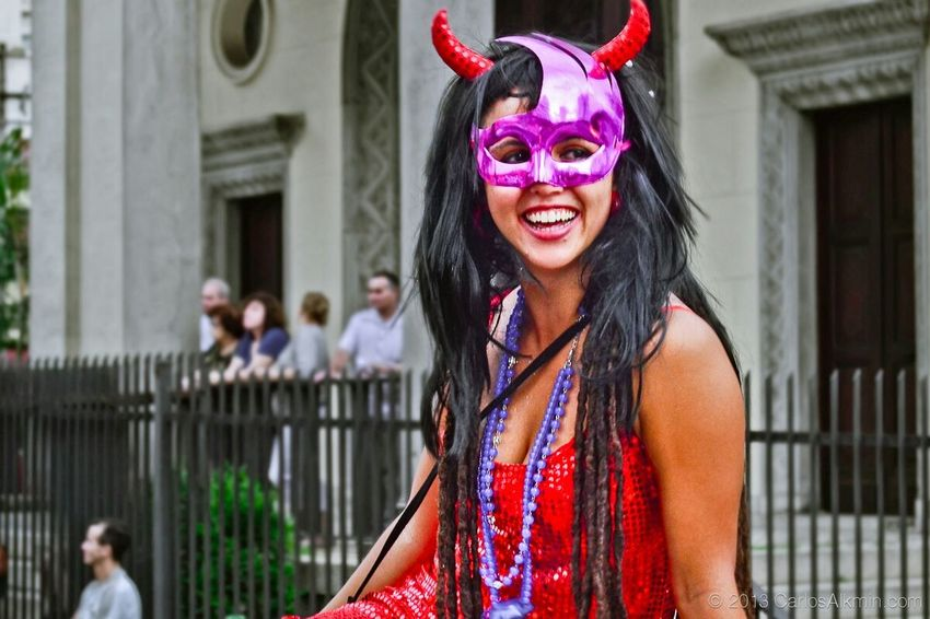 "Colors of brazilian street carnival: a masquerade young woman in ""Bloquinho Agora Vai"" • Colors Of Carnival Carnaval Mask Masquerade Girl Woman Folia Bloquinho Agoravai Saopaulo"