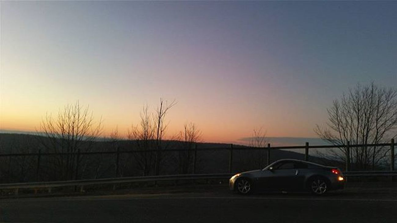 I enjoy taking pictures too much, I need a real camera. Just add that to the list 😅 Sunset Mountains View Touge Nissan 350z Fairlady Z33 Vq GalaxyS5 Winter Sky Peaceful Jdm