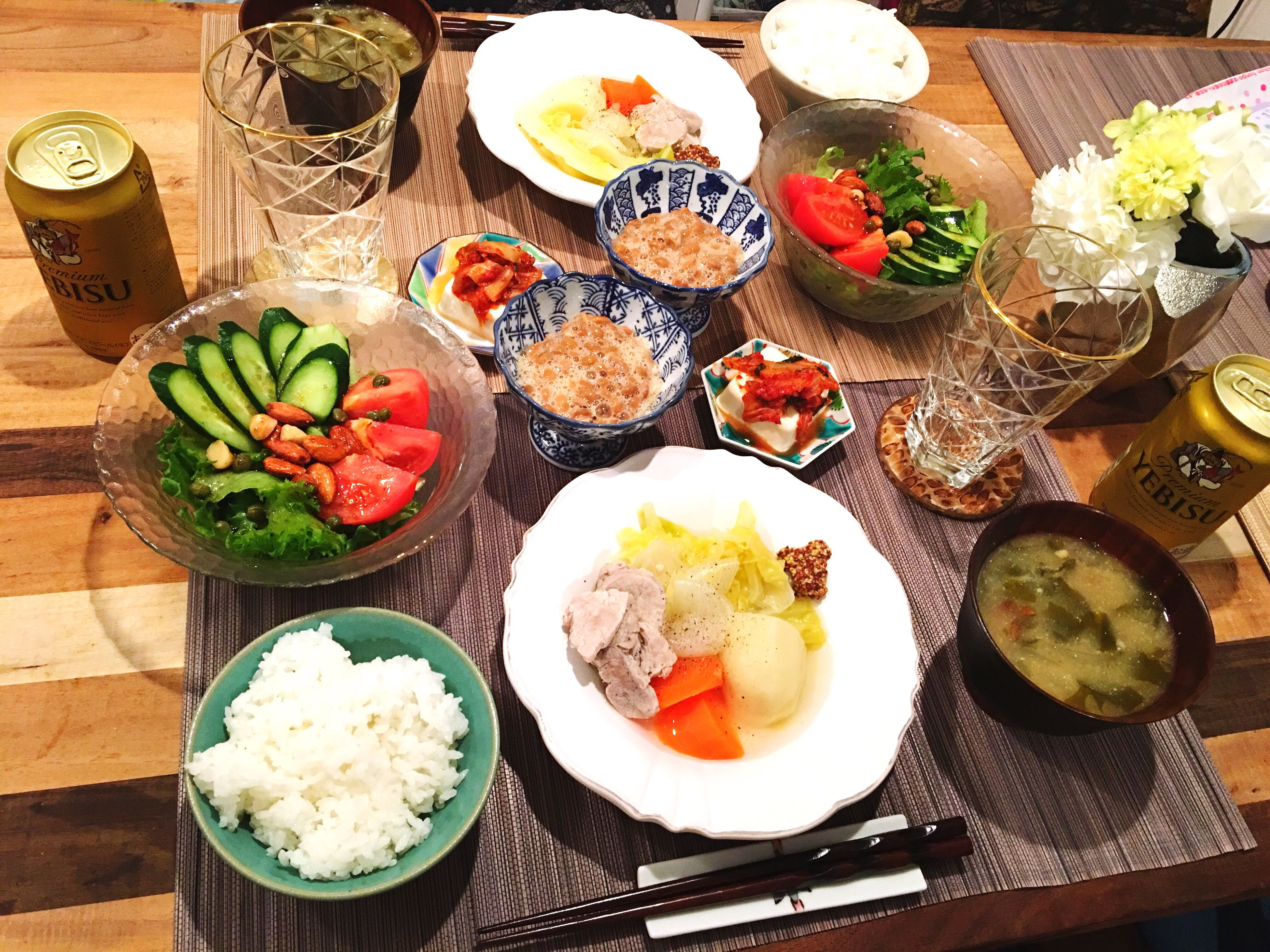 この日はじいじが来てくれてました❤️ Today's Dinner Pot-au-feu 塩豚のポトフ わかめとたまねぎとなめこの味噌汁 キムチ豆腐 納豆 ナッツサラダ Saltedpork Seaweed Onion Nameko Miso Soup Kimuchi Tofu Natto Healthy Eating Ready-to-eat Indoors  My Recipes Food Porn Foodporn SoDelicious Nutssalad