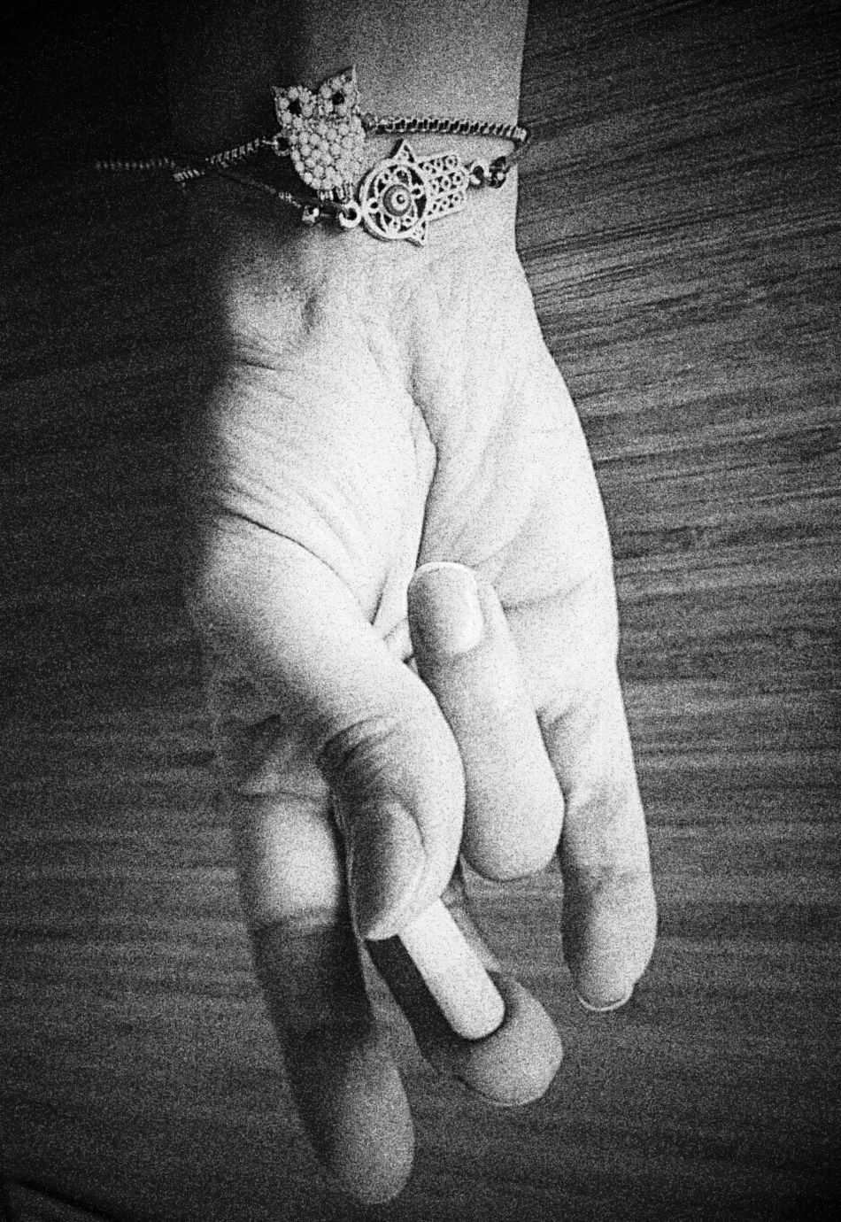 Hand Myhand EyeEm Best Shots Blackandwhite Blackandwhite Photography Owl Hamse Black & White Eyem Best Shots - Black + White OpenEdit Hand