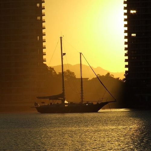 Sunset on the Broadwater Ilovegoldcoast Ig_captures_sky Igers Broadwater Bestoftheday GoldCoast Sunset Goldenday Water Sailing