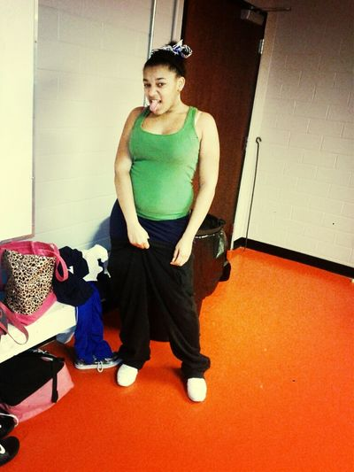in the locker room lol o was sagging my pants #thugging you know lmao
