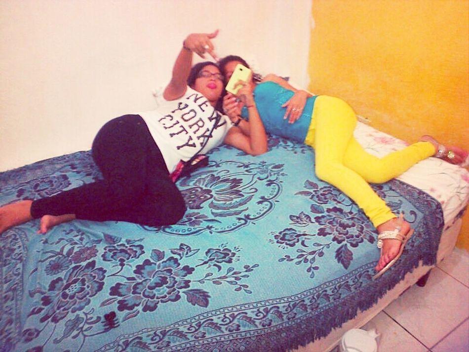 Relaxing Amigas