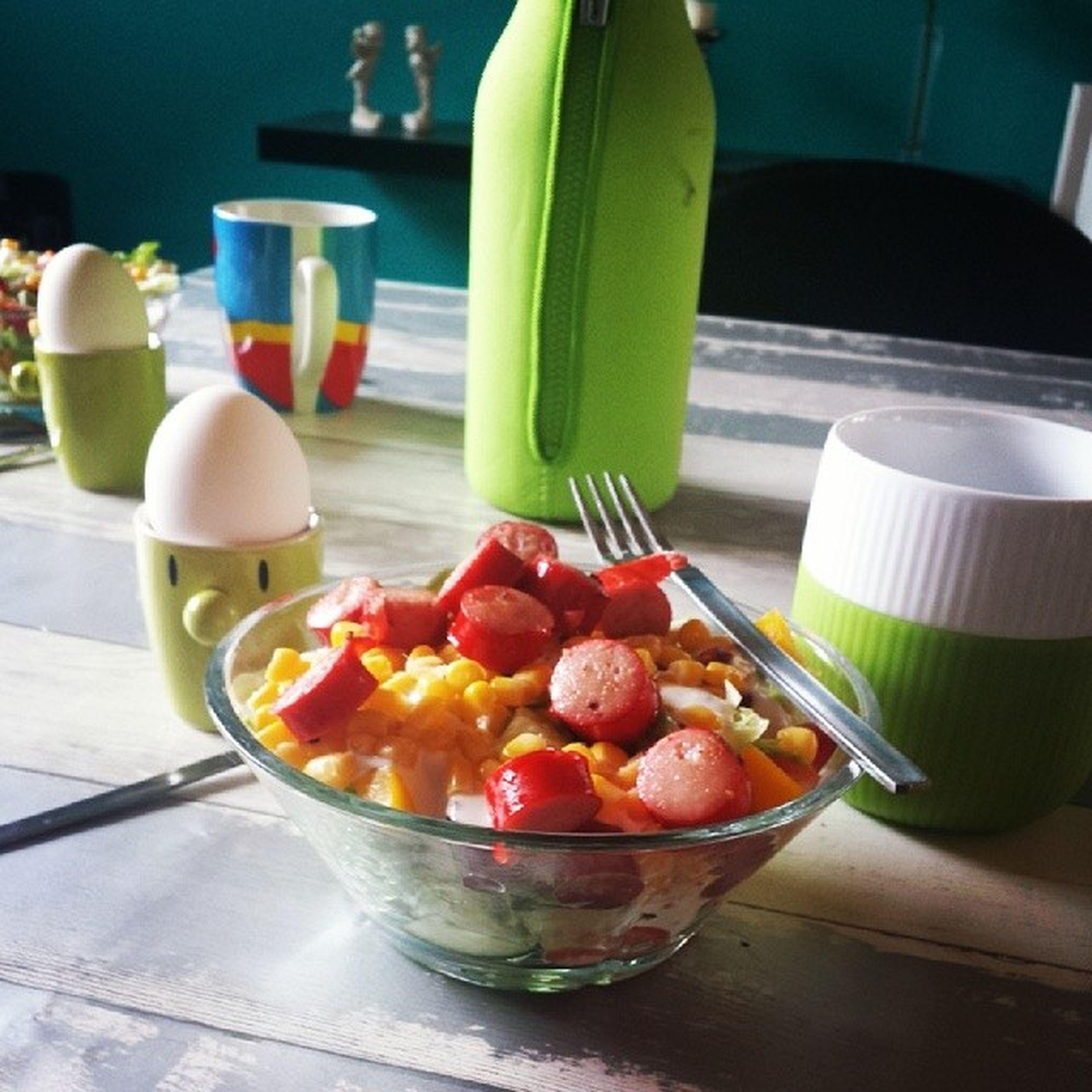 Grøn frokost med bettemanden ? Superman Davidsyndlingskrus Evasolo Royalcopenhagen  rosendahl hoptimist grøn green dererhygge salat medpølser