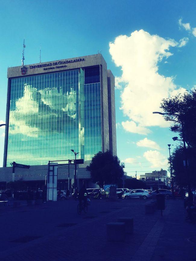 Built Structure Architecture City Street Sky Cloud - Sky Walking Sunset FreeTime Window Mirror Disfrutando De La Vida