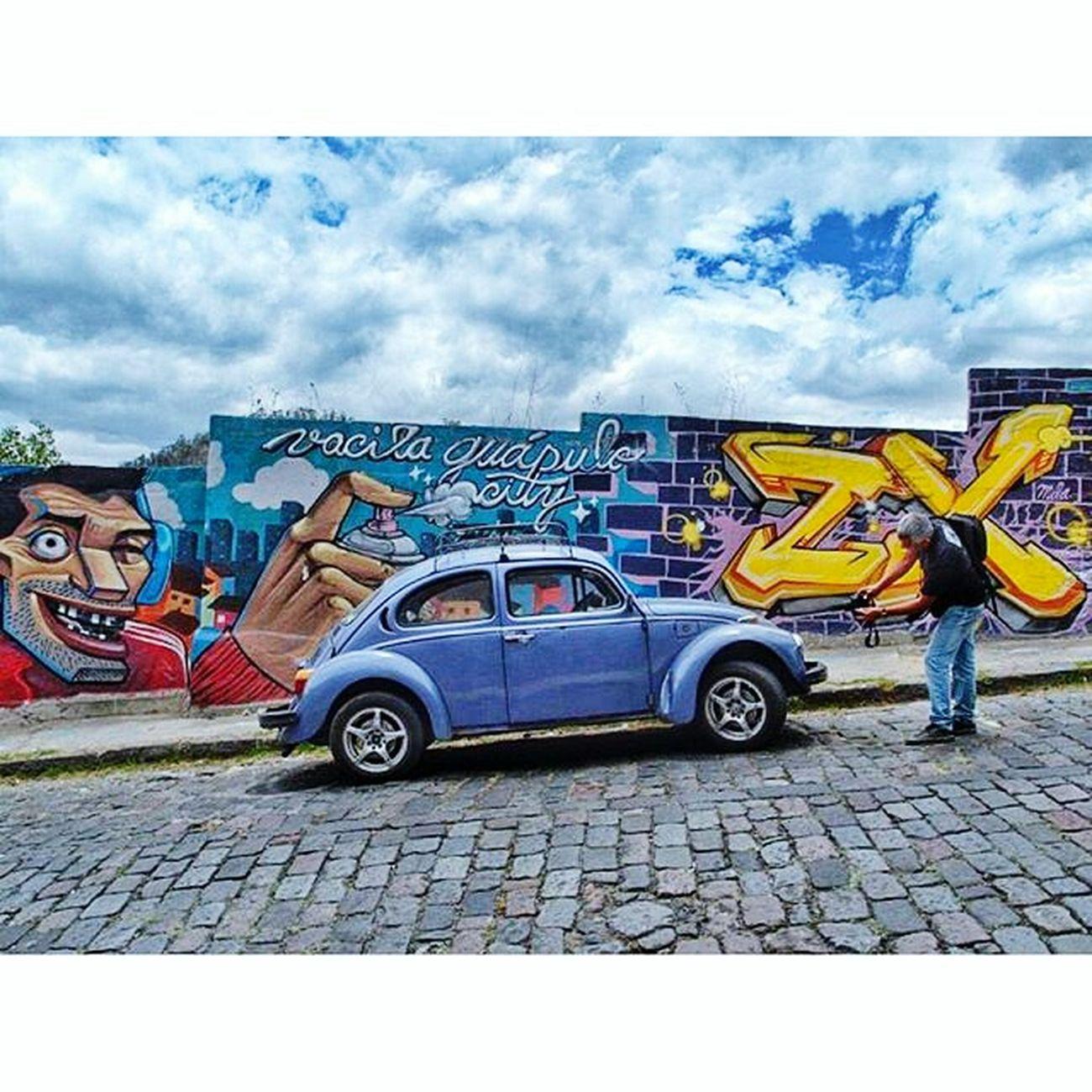Guápulo City Guapulo Quito Ecuador Pichirilo Escarabajo Ride Streetart Street Art Graffiti Wall Art Colour Of Life The Street Photographer - 2017 EyeEm Awards Let's Go. Together.