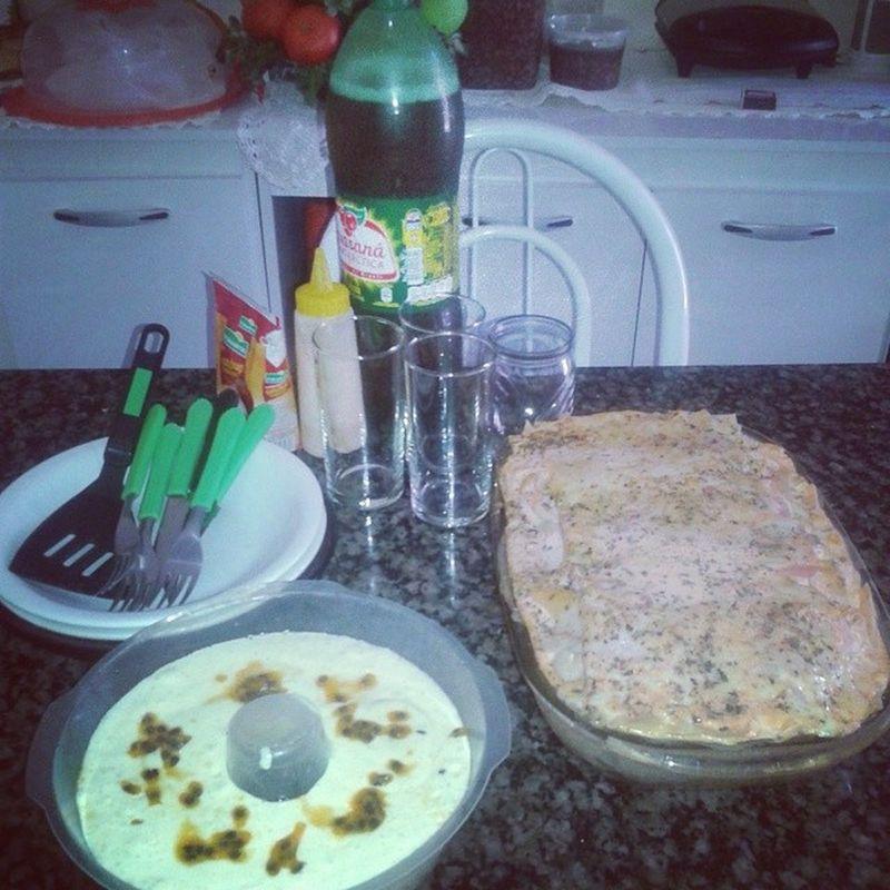 Almoço em família! Delicia Gordice Família Lazanha Sobremesa
