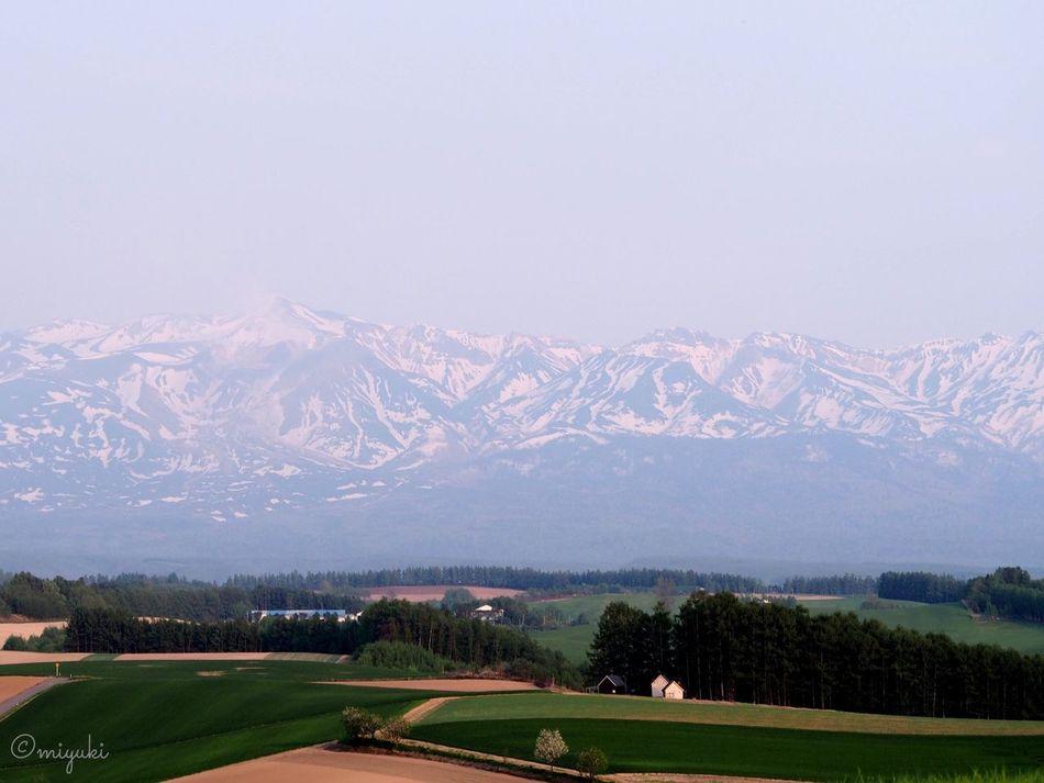 十勝岳を望む新栄の丘。Mt.Tokachi and Shin'ei Hills. Mountain Hills EyeEm Nature Lover EyeEm Best Shots Hokkaido Landscape