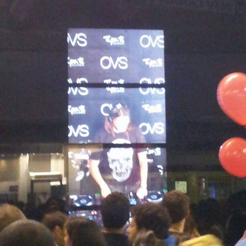 #bobsinclar on screen at #OVS during the #vfno2012 Ovs Bobsinclar Vfno2012