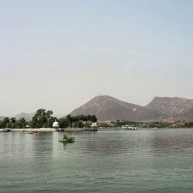 Allure. Throwback TBT  Throwbackthursday  Udaipur Fatehsagar Lake Roadtrip April Fun FamilyTime NehruGarden Hills Boats Reflection Greenery Nature Serene Allure Instadaily Picoftheday Nofilter Igers