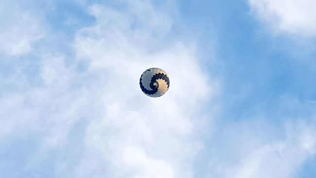 Sky Ballon Aroundtheworld Capture The Moment Hello World Clouds In The Middle Of Nowhere Pastel Power EyeEm Best Shots Deceptively Simple