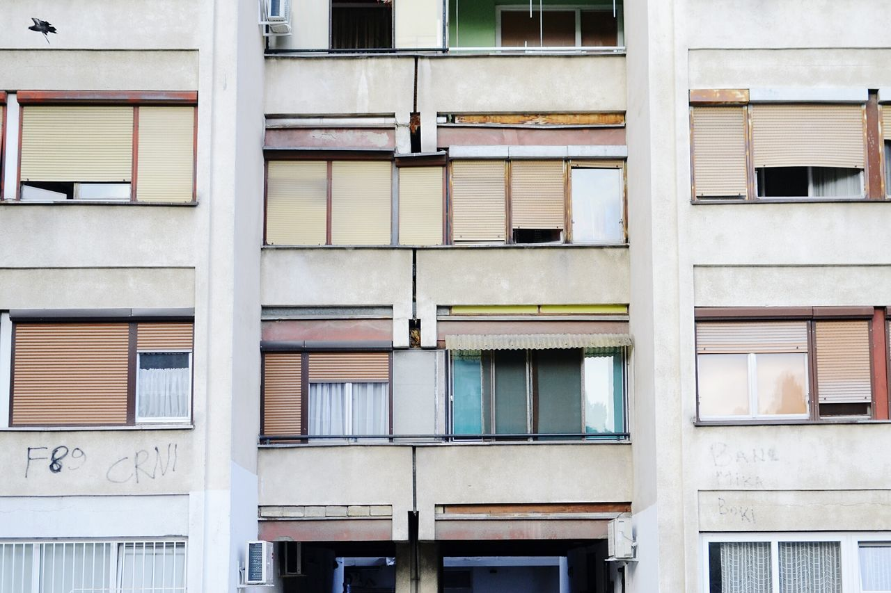 Beautiful stock photos of traurig,  Apartment,  Architecture,  Backgrounds,  Building Exterior