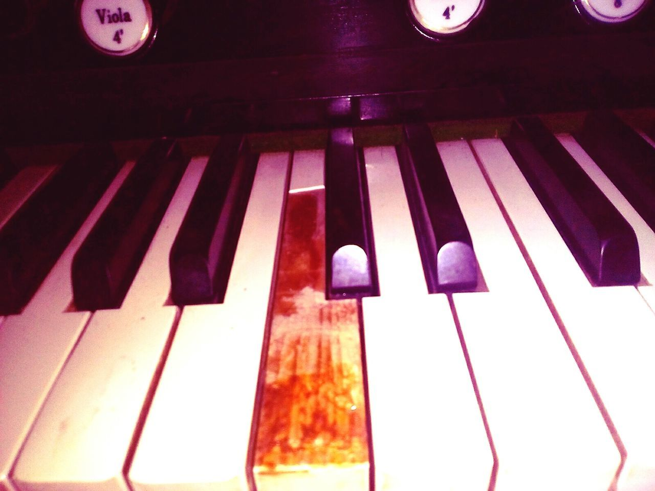 Piano Key Musical Instrument Music Piano Arts Culture And Entertainment Antique Keyboard Instrument Musical Equipment No People Close-up Indoors  Classical Music Church Music Vintage Style Alt Orgel Day Indoors  Missing Key