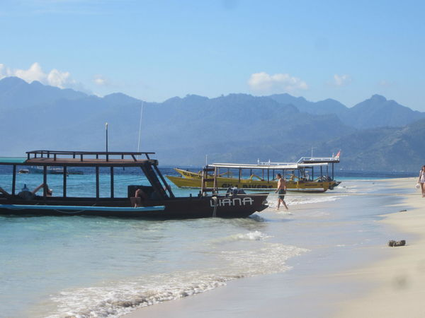 ASIA Backpacker Bali Calm Dive Boat Fishing Boat Gili Trawangan INDONESIA Island Landscape Lombok-Indonesia Mountains Mountains And Sky Paradise Paradise Beach Sea Sea And Sky South East Asia Tranquility Travel Wanderlust