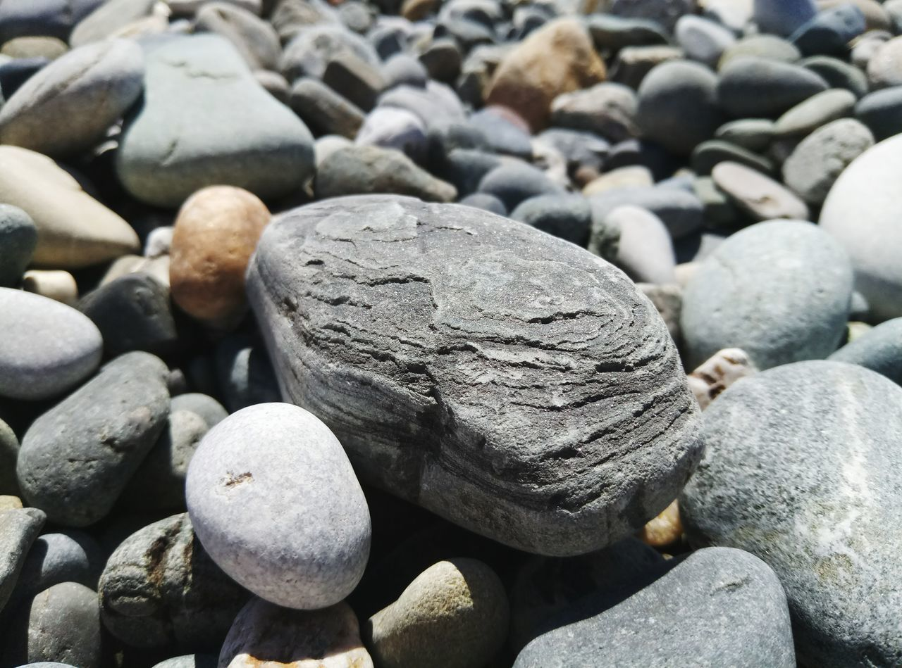 pebble, pebble beach, beach, day, no people, outdoors, nature, textured, backgrounds, close-up