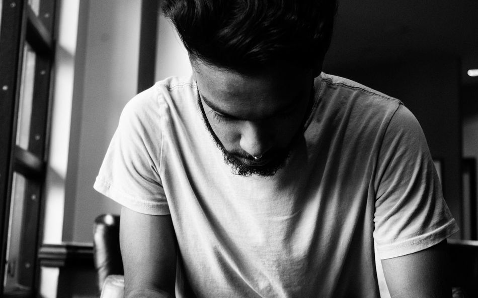 Beautiful stock photos of black & white, 20-24 Years, Beard, Cafe, Casual Clothing