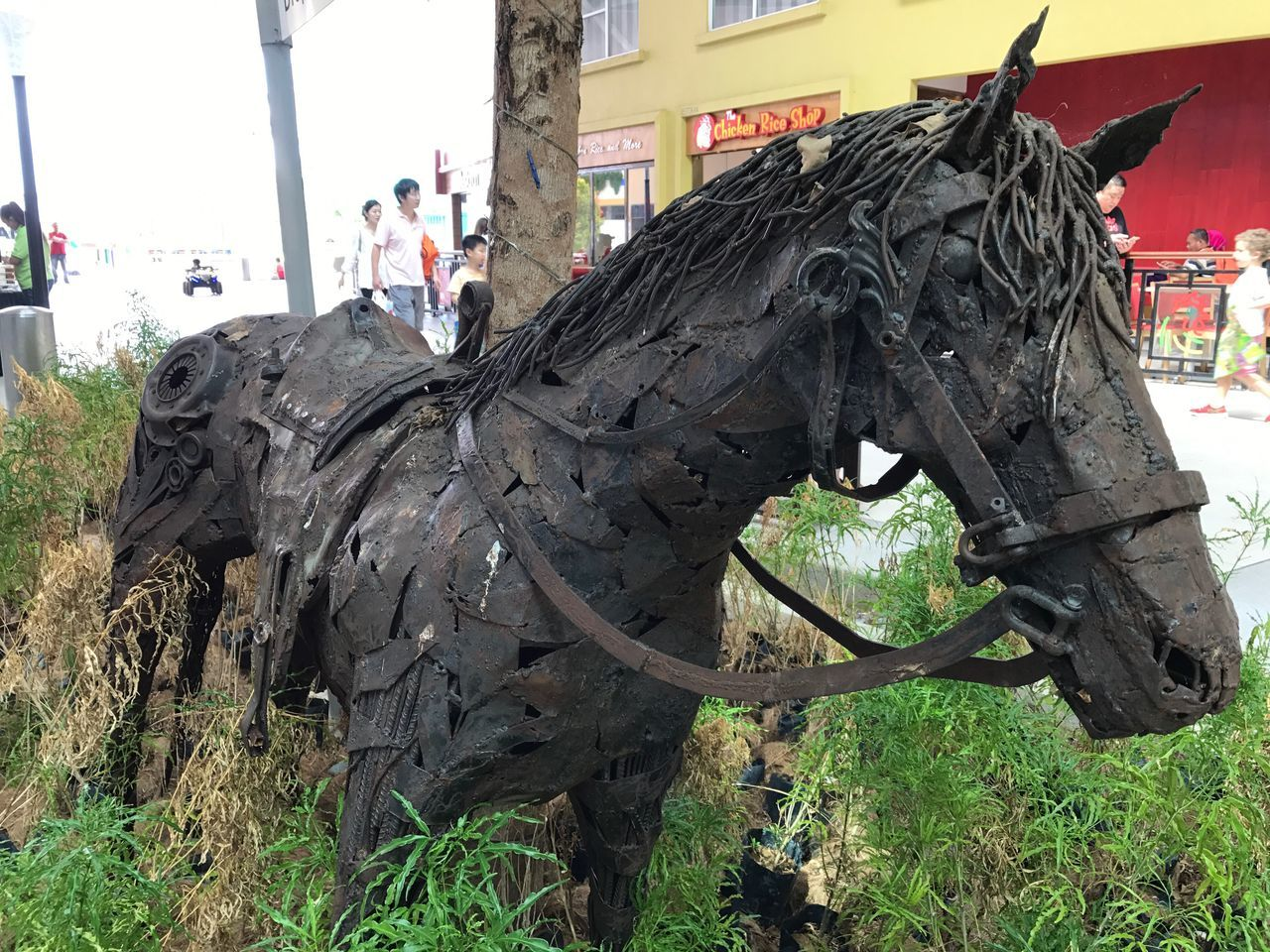 Horse Animal Themes Outdoors Working Animal Domestic Animals Built Structure Day Building Exterior Architecture Mammal Tree No People Sky Statue Close-up ArtWork Horse made of scraps Scrapsculpture Scraps
