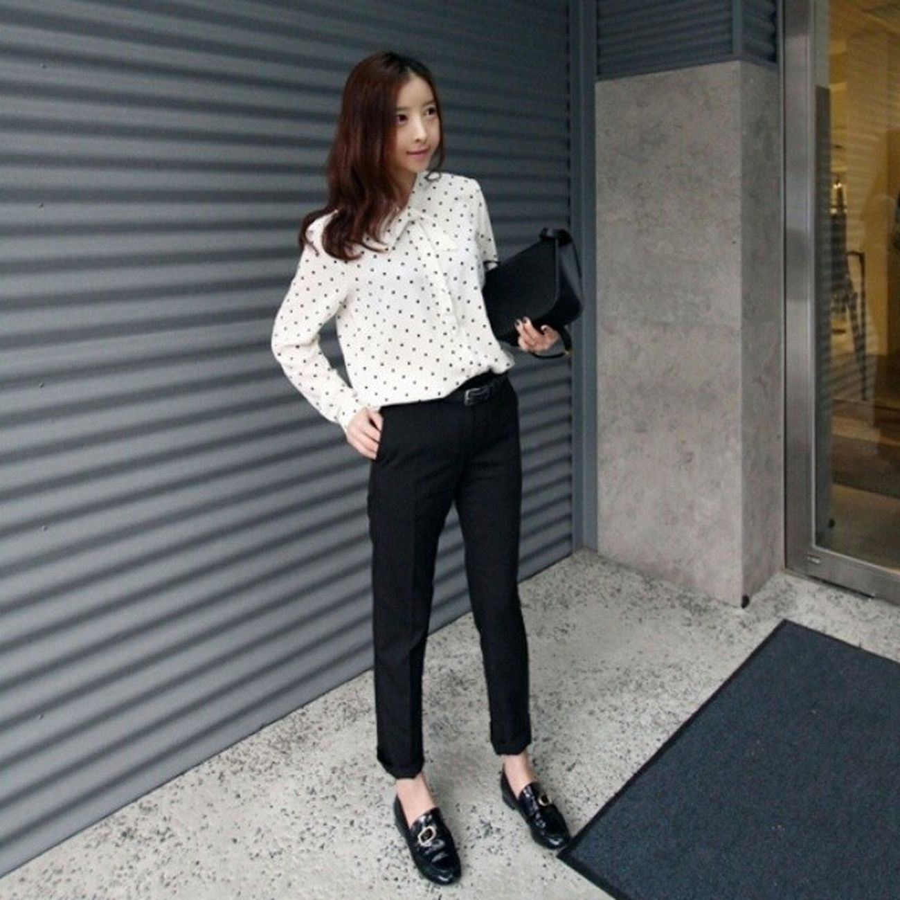 ➖ 도트블라우스 / 핏 예술 슬랙스 ? Dots Polka Blouse Slacks today ootd daily fashion photo loafers Celine classicbox