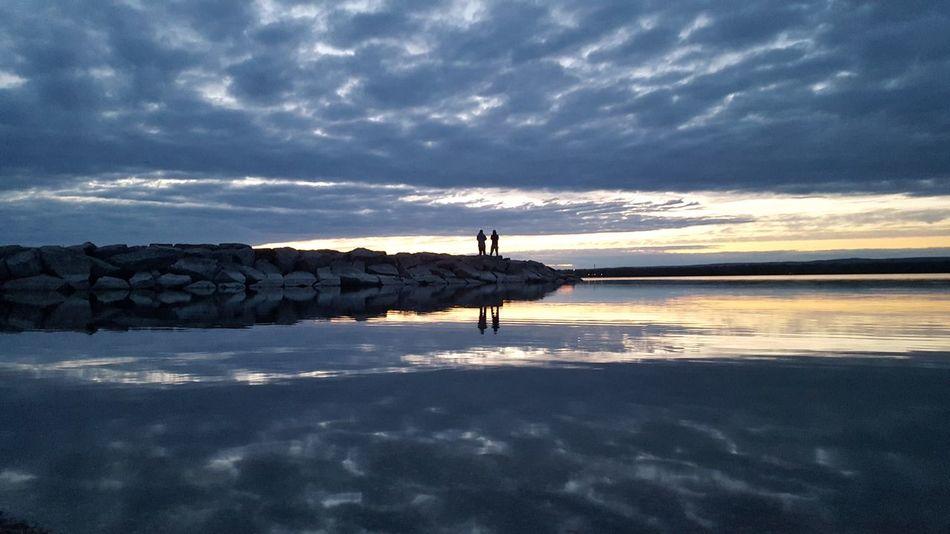 Serene Outdoors Beautiful Sunset Blueskyporn Samsung Galaxy S6 Edge Nofilternoedit Naturelover Lov Enature Photo Myown Beachphotography Reflections In The Water