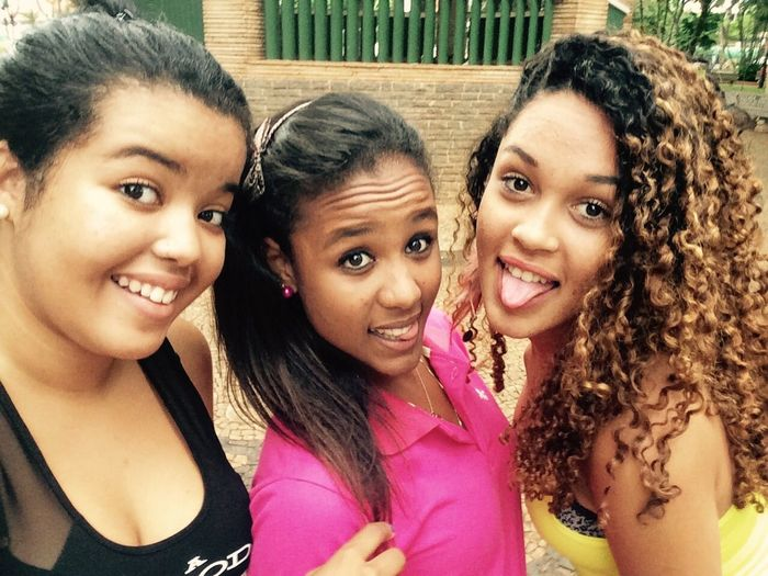 Friends ❤ Foreversisters Love ♥ Bestfriends