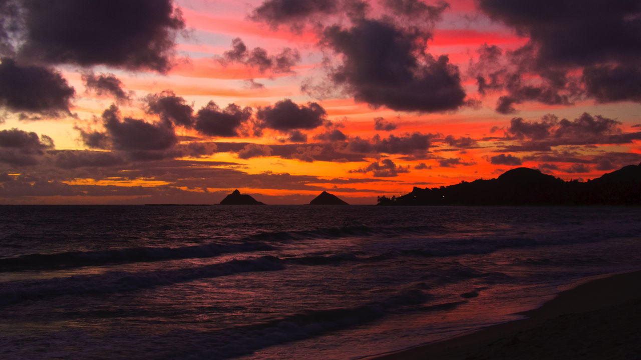 Red Dawn on Kailua Bay! Red Kailua! Kailua Bay Sunrise Kalawao Aloha! Pacific Ocean Hawaii Kalama Enjoying Life