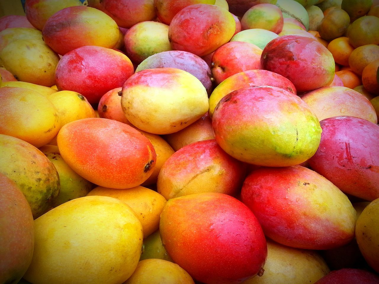 Full Frame Shot Of Mangoes