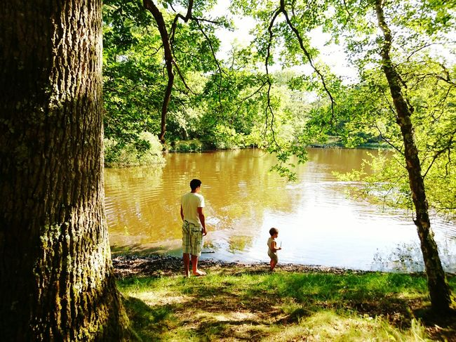 Scene bucolique Enjoying Life The Essence Of Summer Eye4photography  Summer2016 Colour Of Life Relaxing EyeEm Best Shots Forest Kids Having Fun Kid Bucolic Place