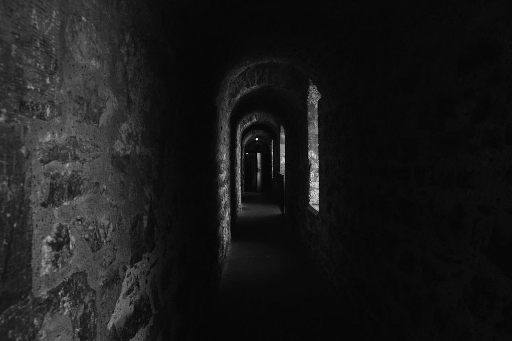Dark Corridor of Tower of London Check This Out Hello World Lovephotography  Traveling In London Photography Enjoying The View Londonlife London Days Light And Shadow