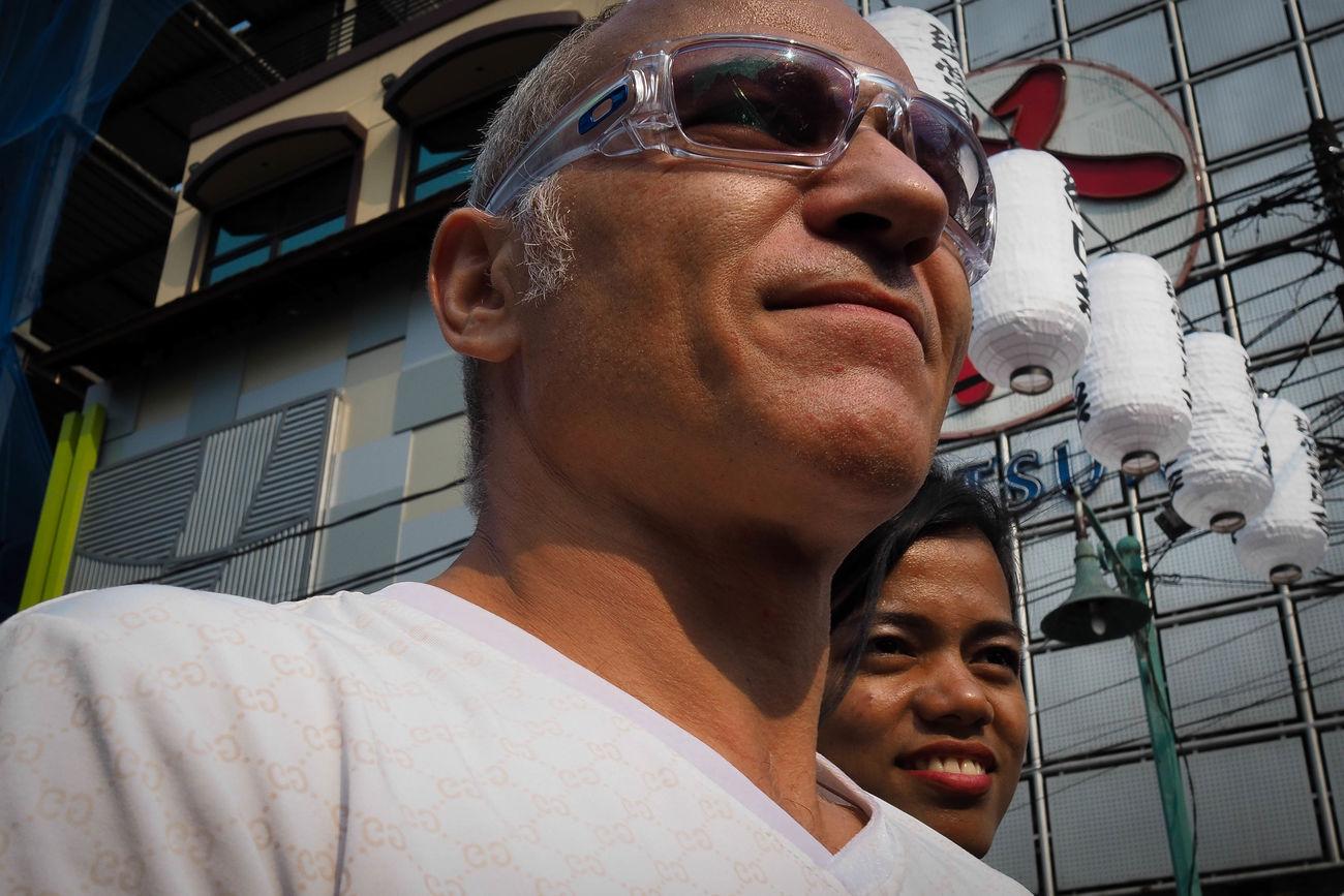 The Portraitist - 2017 EyeEm Awards EyeEm Streetphotography Street Photography INDONESIA Photography Documentary Photography The Street Photographer - 2017 EyeEm Awards Street Life Jakarta Maklumfoto Polorapat Celebration Arts Culture And Entertainment Human Representation The Week On EyeEem Real People People Photographer Documentary In Color