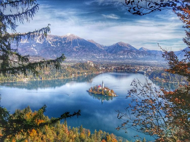 Colors Of Autumn Autumn Colors Fall Beauty Fall Leaves EyeEm Nature Lover EyeEm Best Shots - Nature Bled Castle Bled, Slovenia Lake View Outdoor Photography Eye Em Best Shots HDR Nature The Great Outdoors - 2016 EyeEm Awards