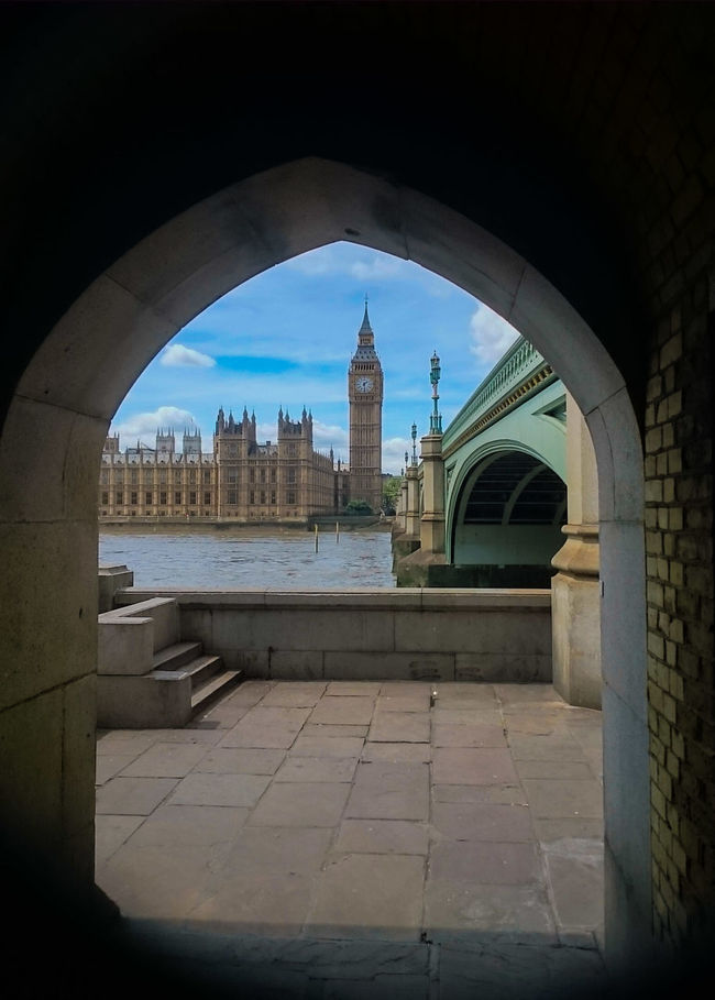 Retake from the same spot, but this time I was lucky to avoid peopleWestminster Palace Big BenLONDON❤ River Thames Bank Architecture_collection Architecture Taking Photos River Thames River Thames Skyline Westminster Westminster Bridge Arches Brick Walls Home Is Where The Art Is Colour Of Life Dramatic Angles London Lifestyle