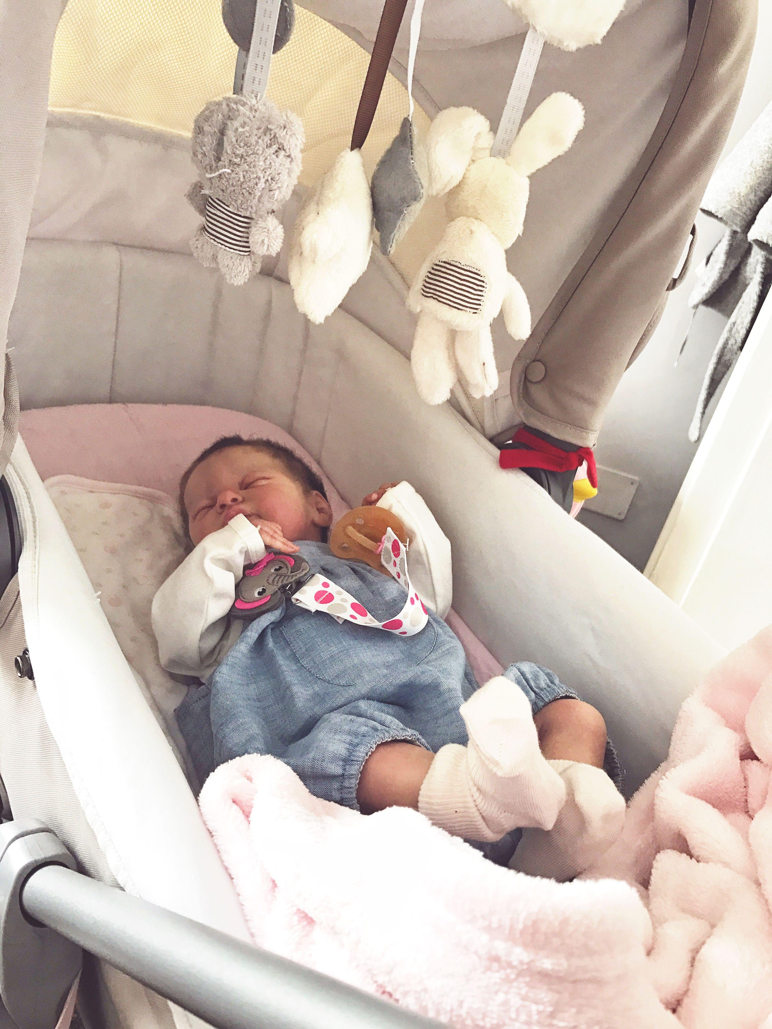 baby, babyhood, baby clothing, indoors, babies only, sleeping, newborn, people, crib, real people, childhood, day