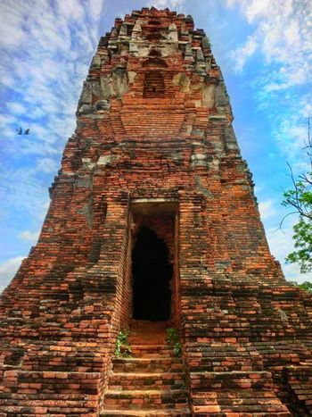 History Architecture Outdoors No People Building Exterior Sky Ancient Civilization Travel Destinations Built Structure Day Thailand🇹🇭 FirstEyeEmPic Thailand Love Ayutthaya Thailand Ayutthaya Historical Park, Bangkok Architecture Thailandtrip PhonePhotography Phone Edited Ayutthaya; ThailandOnly