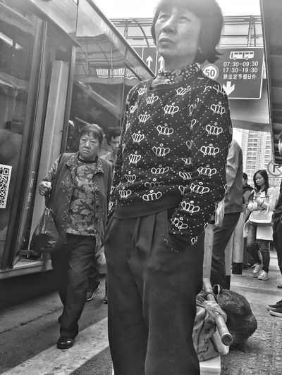 Waiting Busstation Women Black & White Anxious  Ipone