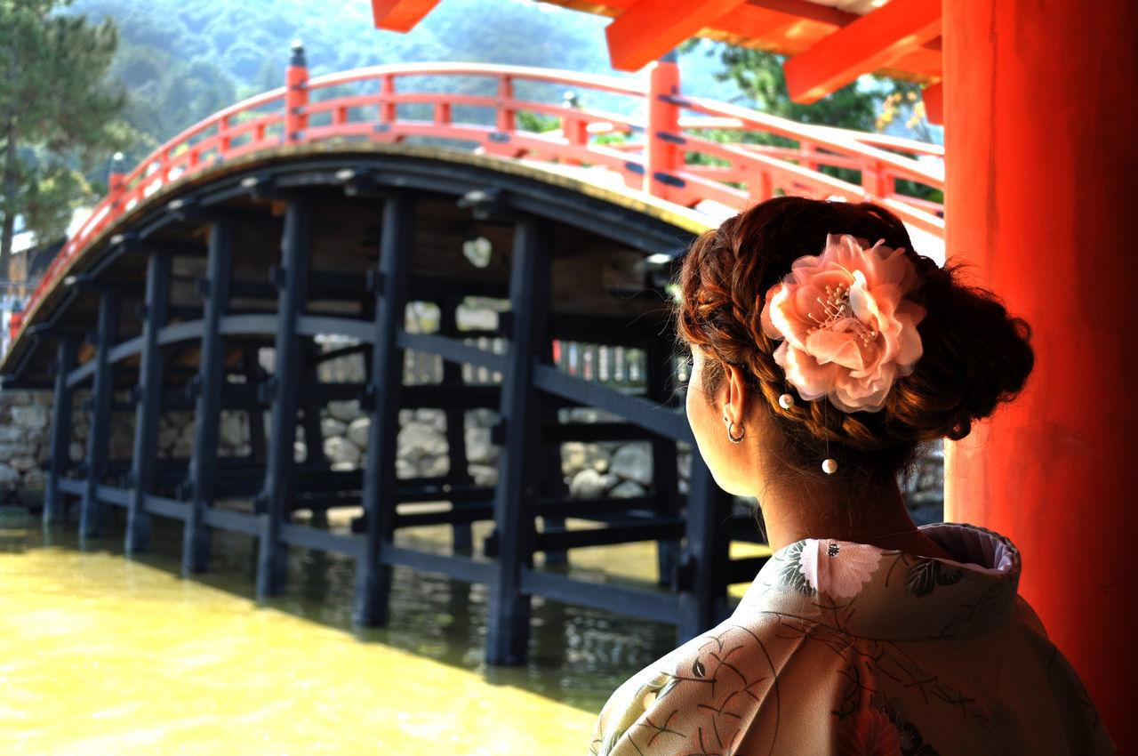Art of a Kimono Around The World Bridge Flower Hiroshima Japan Kimono Miyajima One Person Outdoors Real People Shrine Sightseeing Tourism Travelling Young Adult