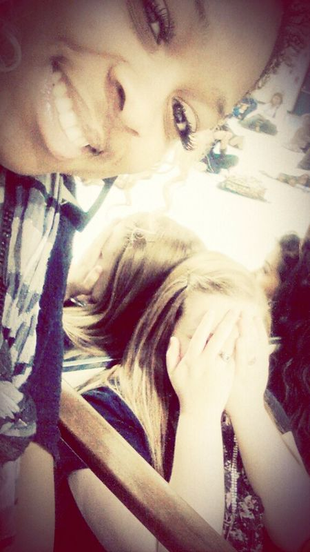 she didnt wanna take a pic with me . :/ School <<< Meannn Whatevsss
