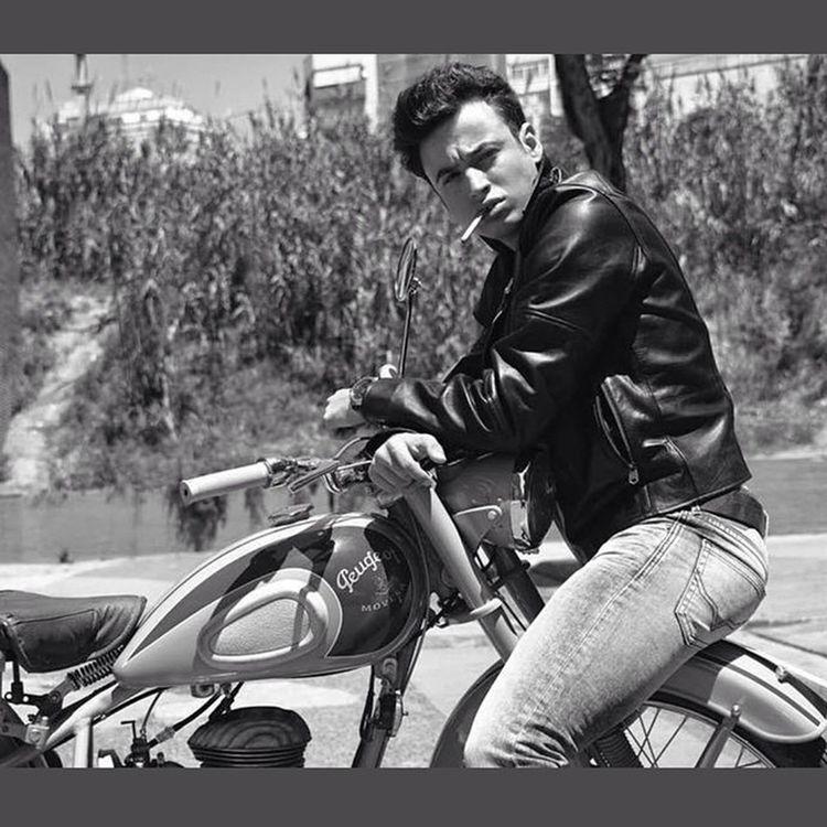 Last Shooting for @idemagazine History Rebelwithoutacause Jamesdean Americanicon 1950s 50s rebel style legend classic motorcycle vintage cinema inspiration NikonD800