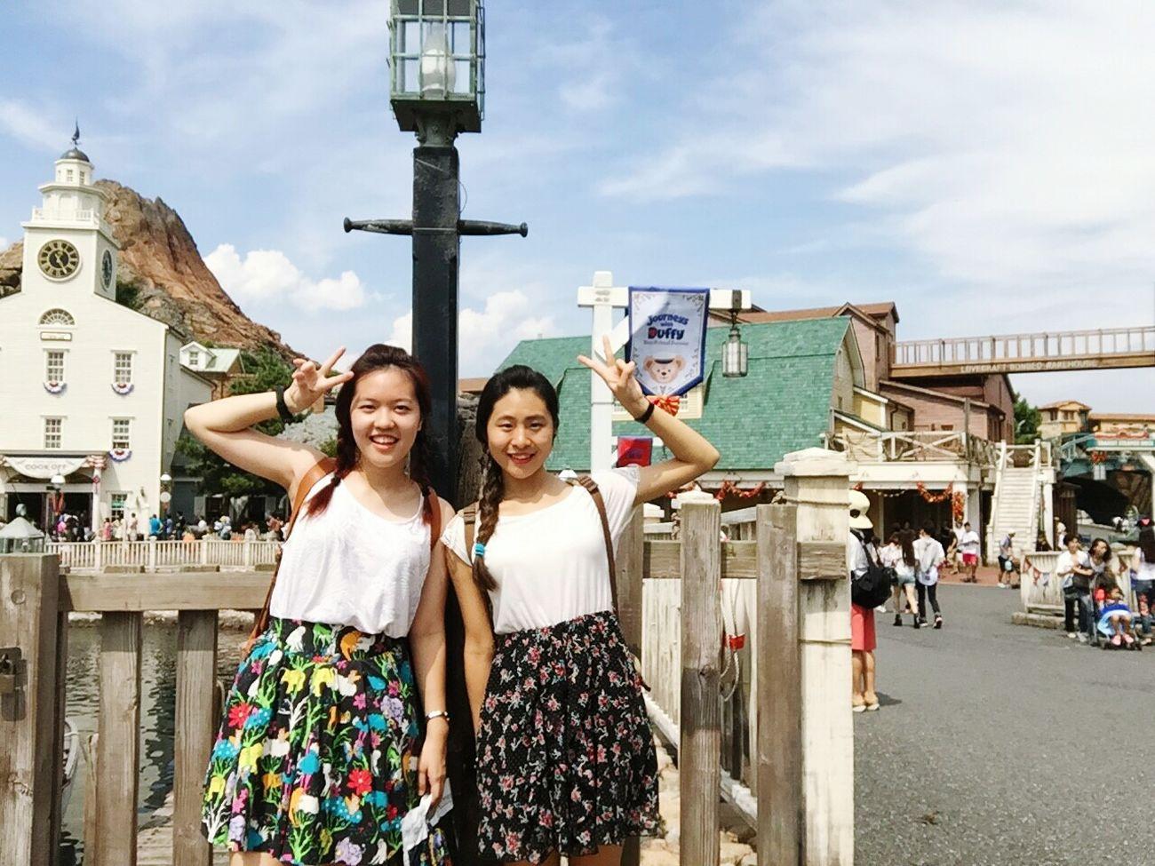 Selfies Everywhere DisneySea Duffy Chiba Tokyo Japan