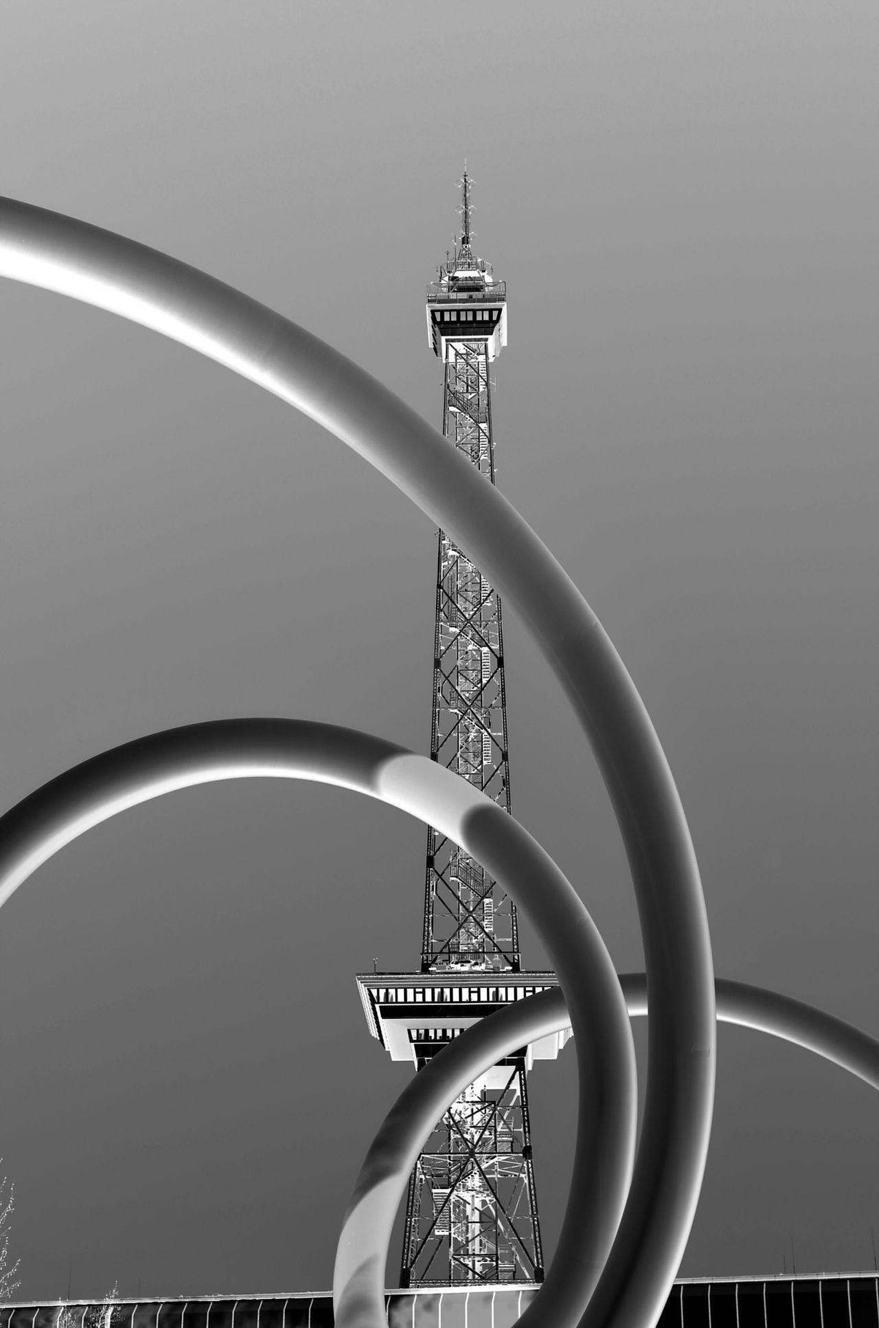 Berlin Photography Funkturm Berlin Loop Black & White BestEyeemShots Architecture Streetart Monochrome Noire Et Blanc Funkturmberlin Berlin Funkturm Eyem Best Shots Noir Et Blanc Looping Steel Structure