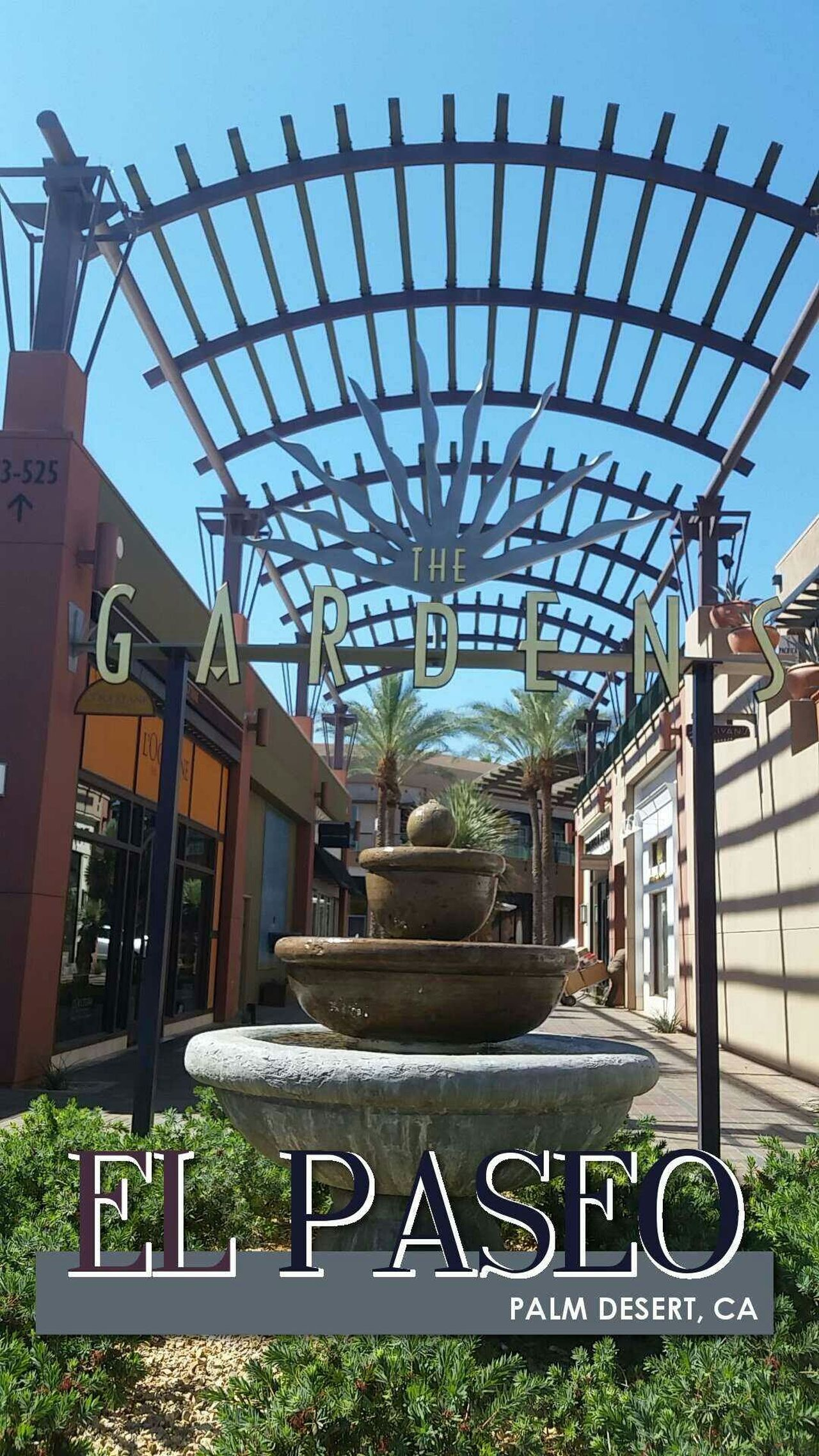 Arcitecture El Paseo Gardens Outdoor Mall Palm Springs Shopping