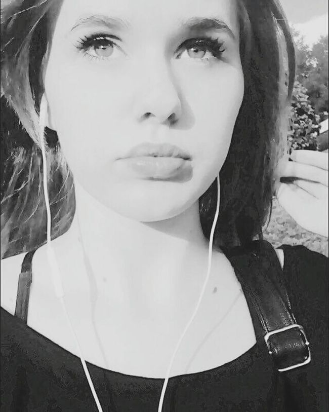 Monochrome Photography Music Portrait Headshot One Woman Only Young Adult Beautiful Woman Young Women Outdoors