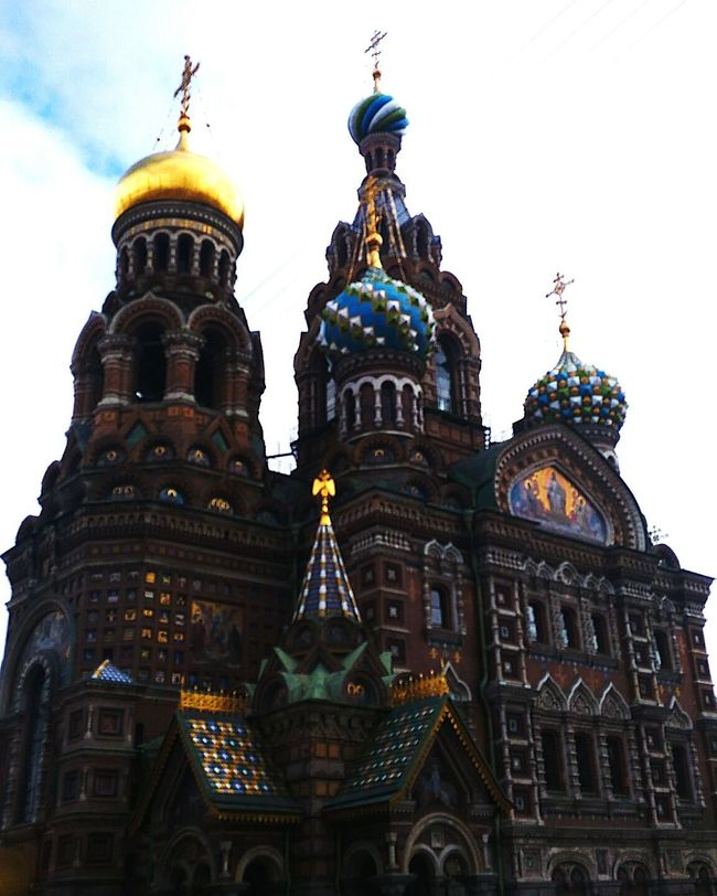 Спас на крови Architecture Building Exterior Built Structure Religion Low Angle View Church Spirituality Dome Place Of Worship Cathedral Travel Destinations City Sky History Tourism Cloud - Sky Famous Place Outdoors Day City Life First Eyeem Photo